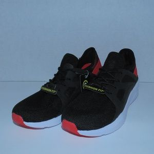 Champion Women's Red/Black Running Shoes Size 6-7